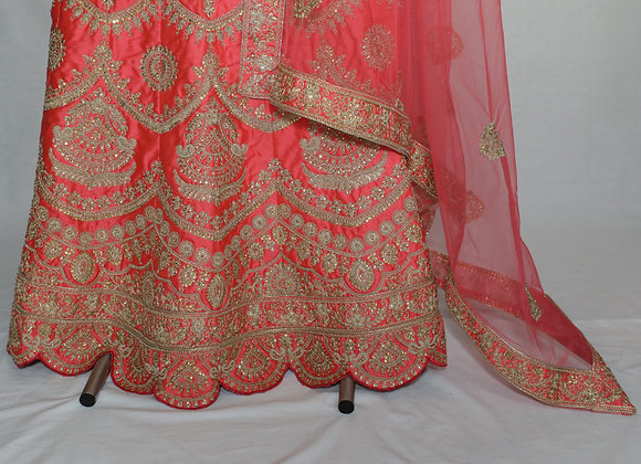 The Stylish And Elegant Gharara Suit In Pink Colour