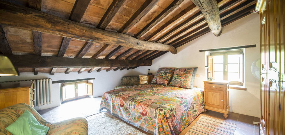 30-farmhouse-with-pool-for-sale-umbria.j