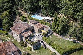 05-villa-in-pietra-vendita-umbria.jpg