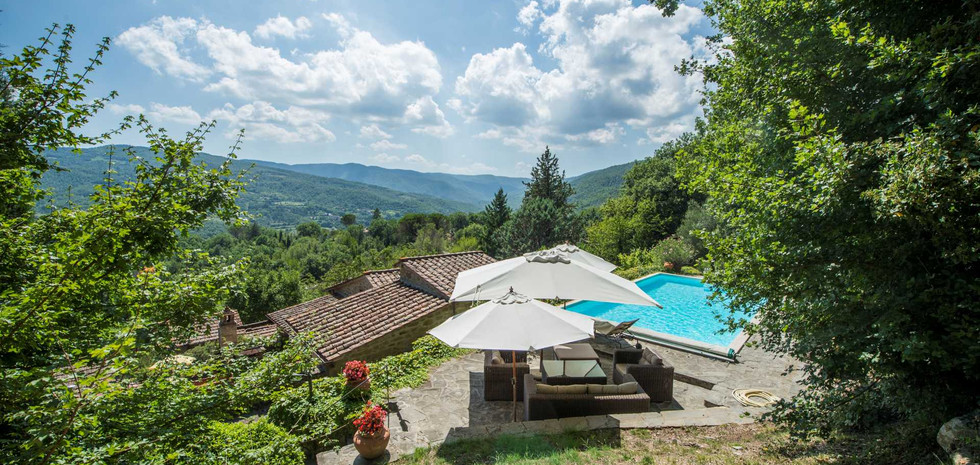 14-farmhouse-with-pool-for-sale-umbria.j