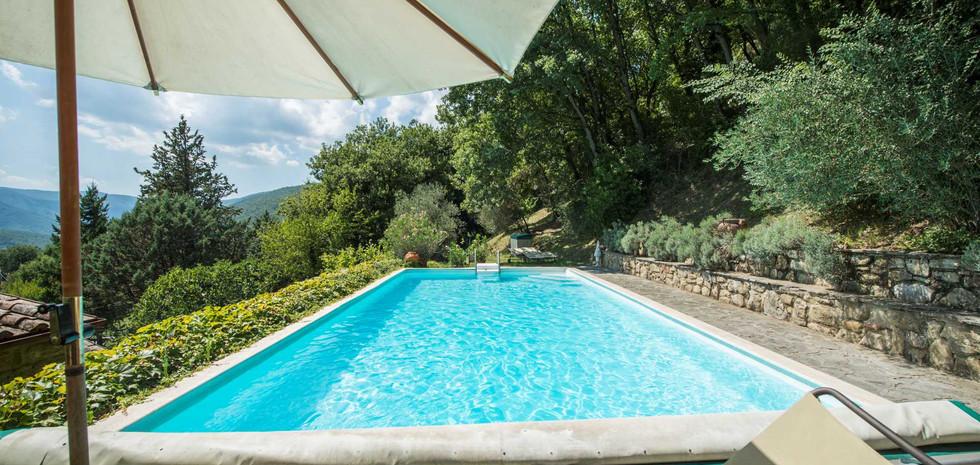 13-villa-in-pietra-vendita-umbria.jpg