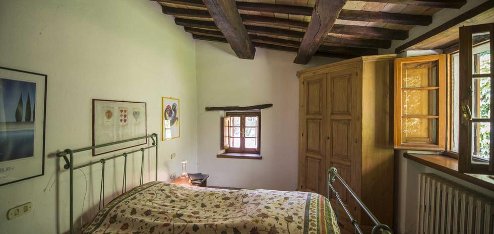 32-farmhouse-for-sale-citta-di-castello.