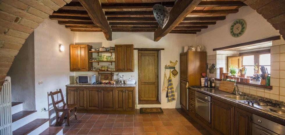 26-rustic-farmhouse-for-sale-umbria.jpg