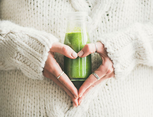 Winter seasonal smoothie drink detox. Fe