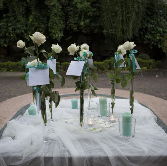 tableau mariage rose bianche & dettagli color tiffany