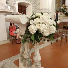 allestimento altare total white