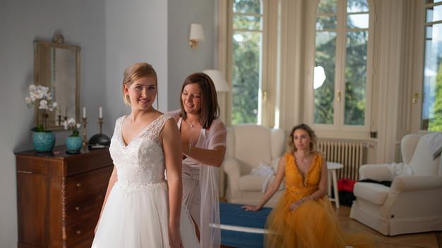 preparativi sposa e damigelle in Villa Confalonieri