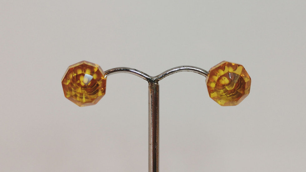 Faceted Amber studs A166