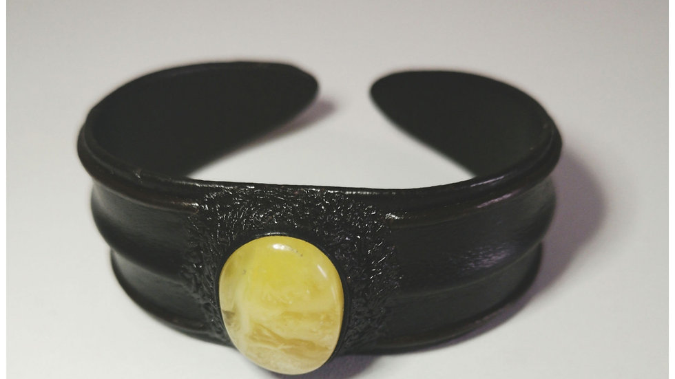 Adults amber and leather cuff A142