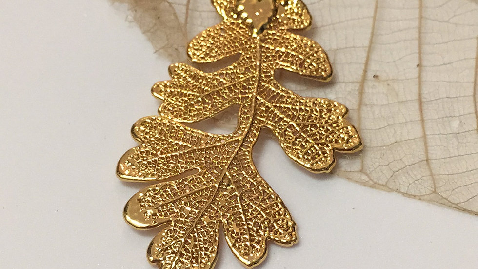 Forever Leaves 'OAK' necklace. GOLD A239