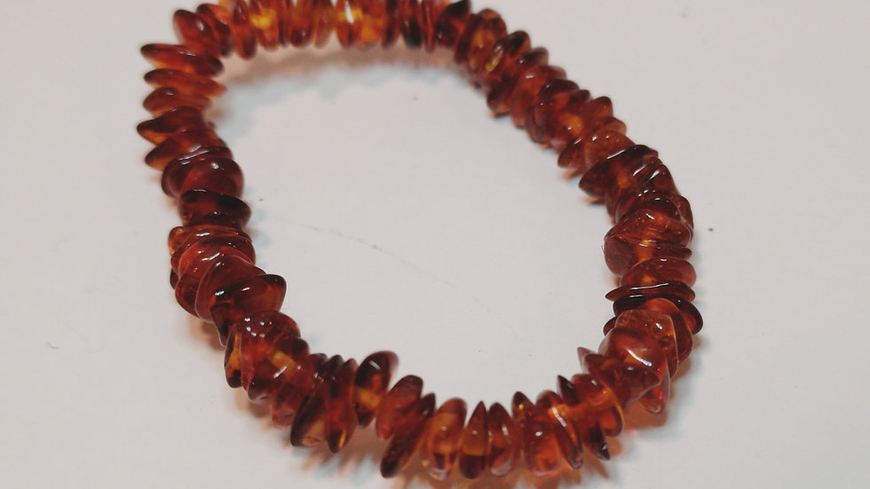 Cognac amber elasticated teething bracelet A193