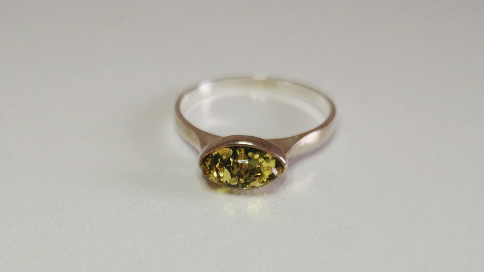 Amber ring A179