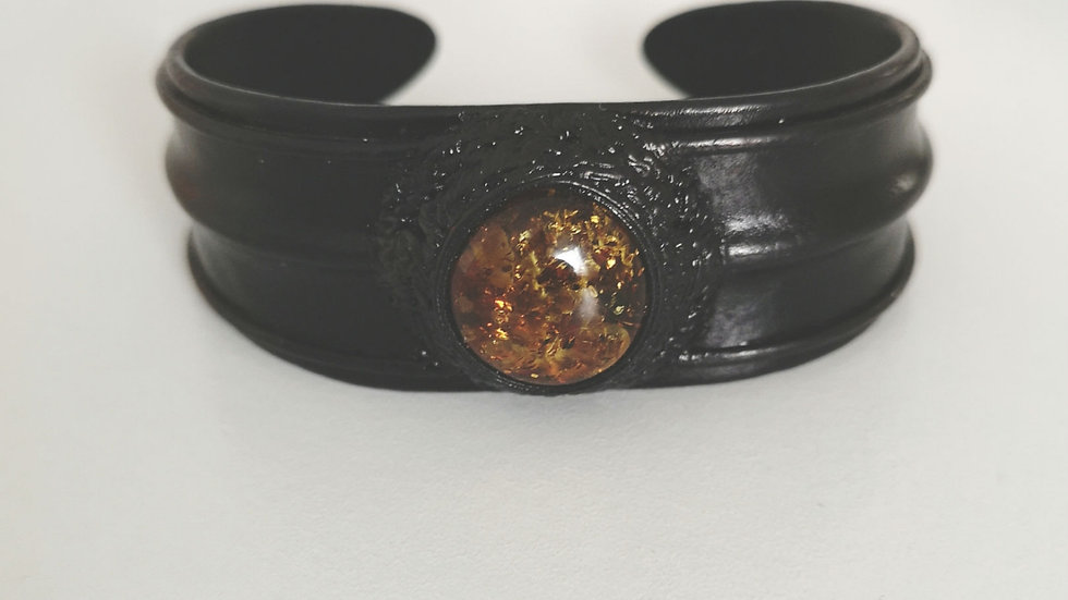 Leather and amber cuff A112