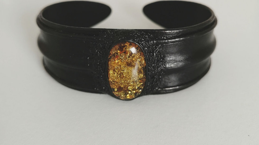 Leather and amber cuff A113