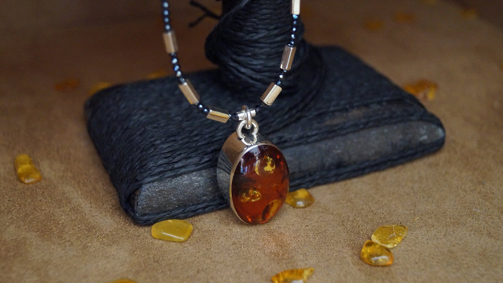 AmberModa Oval Red Cognac Amber And Hematite  Necklace A308