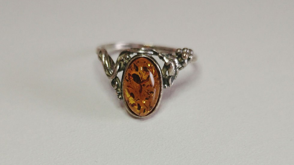 Amber ring A181