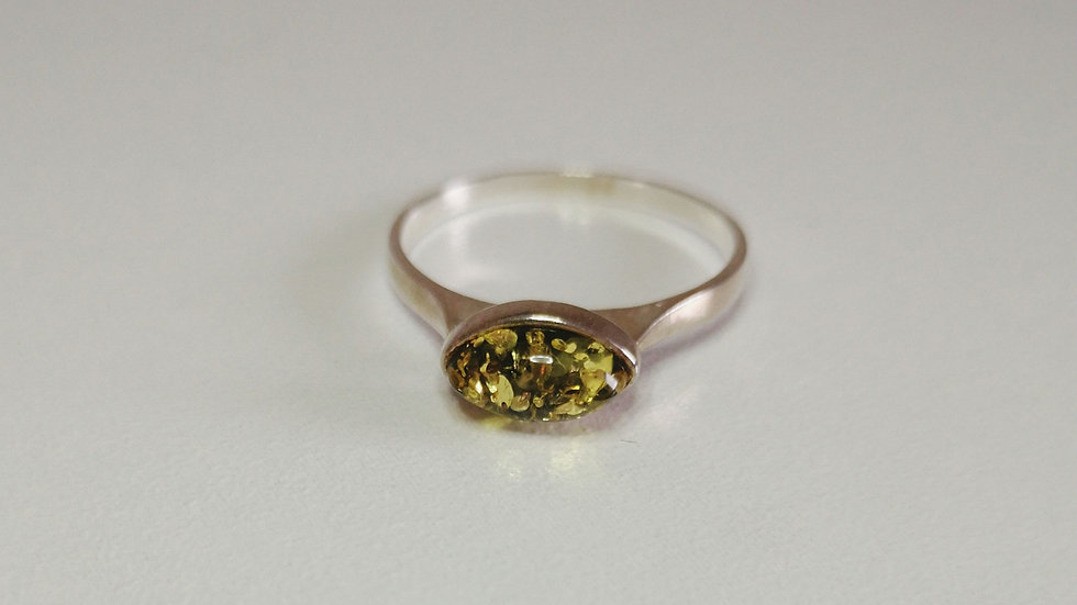 Amber ring A177