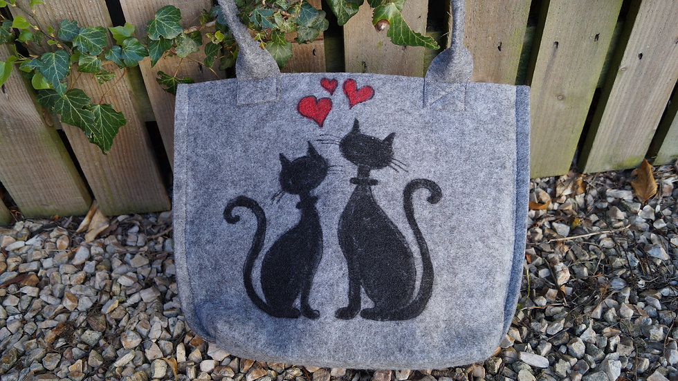 Small Felt Cats Bag (zipped) A263