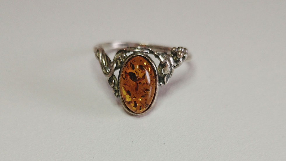 Amber ring A180