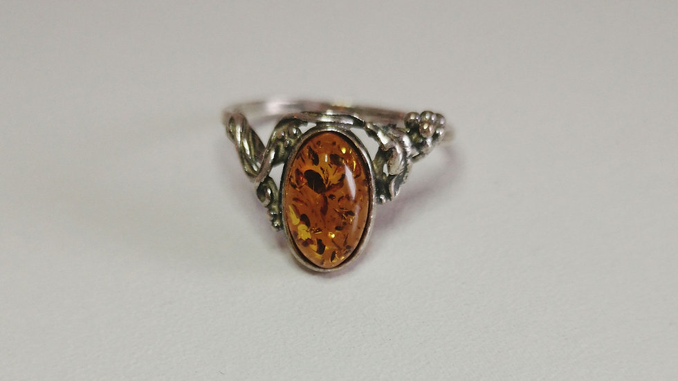 Amber ring A182