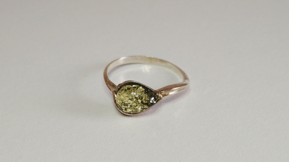 Amber ring A174