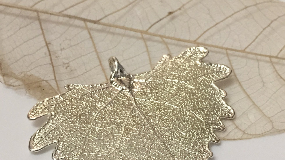 Forever Leaves 'COTTONWOOD' necklace. SILVER A246