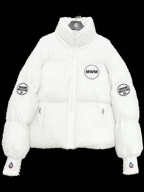 MW034071984 WHITE COAT