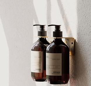 meraki shampoo roomservices.jpg