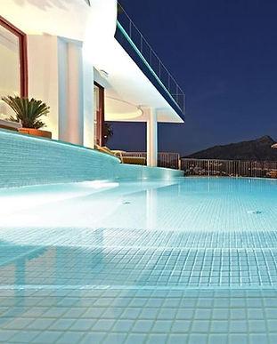 7033718-30290-Nueva-Andalucia-Villa_Fit_