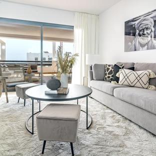 DJC- Modern 2 bedroom apartment close to beach
