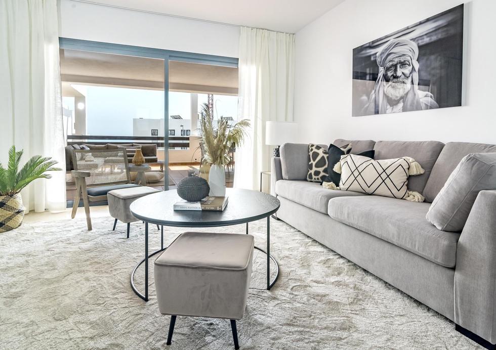 DJA- Modern 2 bedroom apartment close to beach