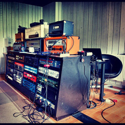 STUDIO GEAR (pic by Marc Durant)