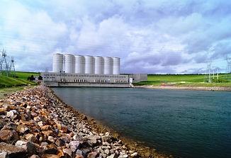 oahe-dam-700x479.jpg