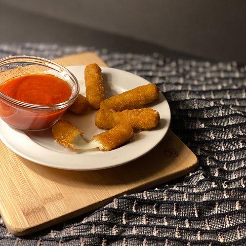 Mozzarella Sticks w/ Marinara dipping sauce