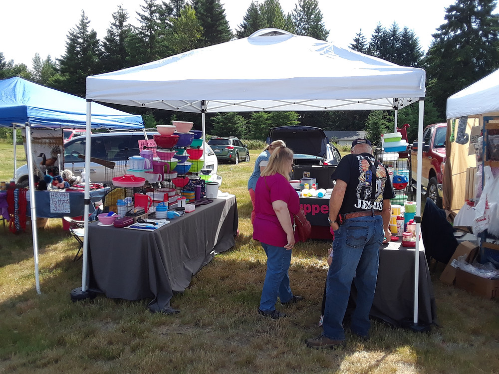 30 vendors set up to provide farm fresh and market items right on our farm!