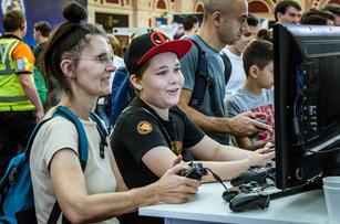 Legens of Gaming Live_Romi Nicole Schneider15.jpg