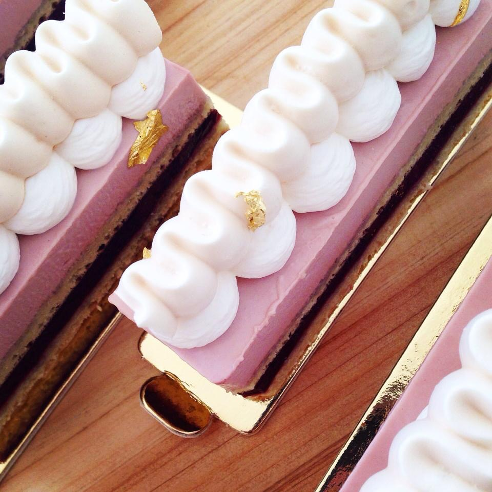 Chrry Yogurt Mousse Cake