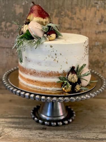 Semi Naked Cake with Golden Fruit