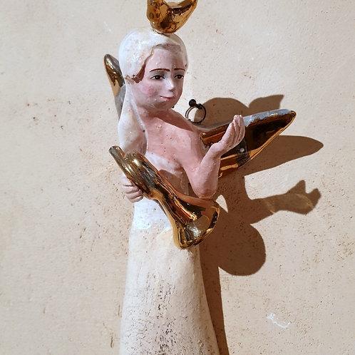 Anioł turmalinowy z trąbką