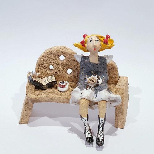 Na ławeczce - z kotkiem