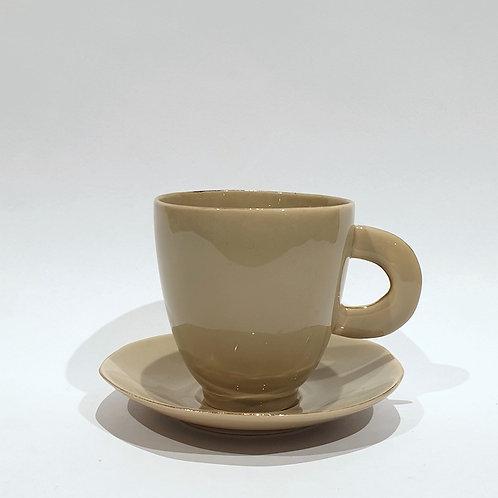 Filiżanka do kawy, kawa z mlekiem