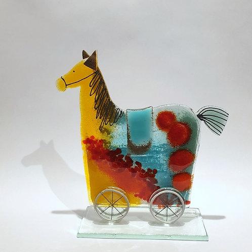 Koń na kołach2
