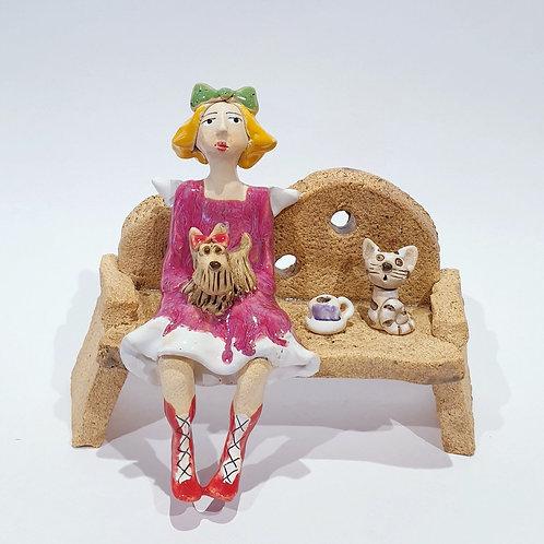 Na ławeczce - z pieskiem i kotkiem