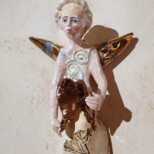 Anioł turmalinowy ze skrzydłami