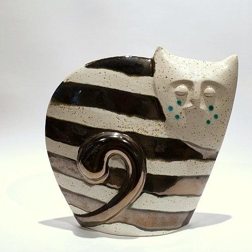 Kot sfinks biały