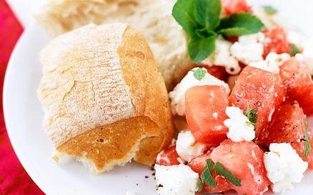 slaatje van watermeloen, feta en munt.jp