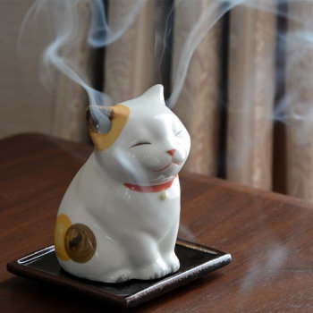 Shoyeido Kitten Ceramic Incense Burner with smoke comes out from ears