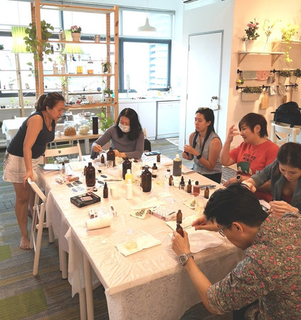 DIY skincare workshop at Sugar & Spice 2019-02-23&24. Making cleanser, toner, serum, lotion and balm from natural plant-based ingredients.