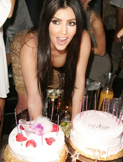 Kim+Kardashian+Celebrates+Birthday+Les+D