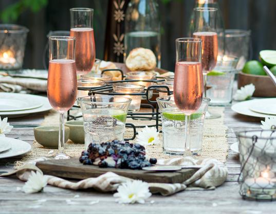 hero-set-dinner-table.png